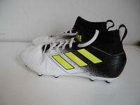 Football sock boots, Adidas. Boys/kids/children's. Size 3.5. V.gd condition.