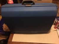 Used - Large - Blue - Hard Case - Plastic - Suitcase