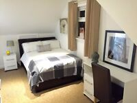 SB Lets are delighted to offer this lovely en-suite room available in professional House share