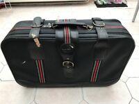 FREE Suitcase (72cm x 42cm x 20cm)