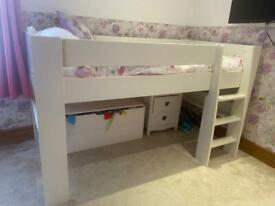 Mid sleeper cabin style bed