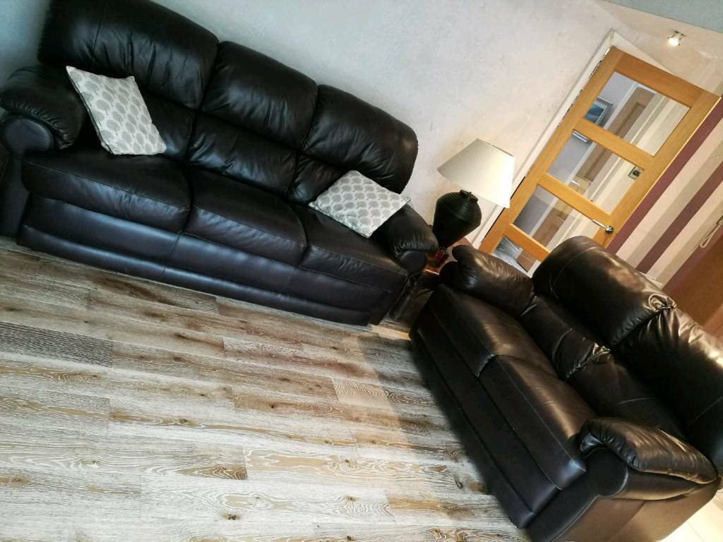 Brown leather 3 peice sofa
