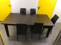 Solid wooden dinning table + chairs •fee delivery