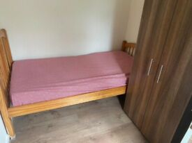 Single Room Available,Close to Heathrow Airport/Feltham****350***