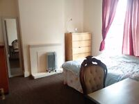 Good sized double room In Easton available now