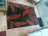 Leaf patterned rug