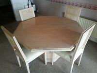 KITCHEN TABLE AND 4 FREE CHAIRS