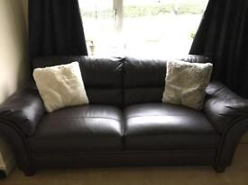 One pice of 2/3 seater leather settee / sofa