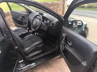 Black Renault Clio Dynamique with Sat Nav and Bluetooth