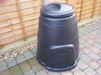 BRAND NEW 220 LITRE BLACK COMPOST BIN