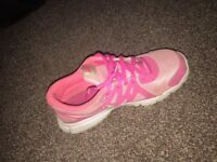Nike Revolution 2's pink running trainers SIZE 4.5
