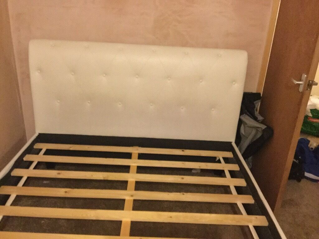 King Size Bed Frame Few Buttons Just On Bottom Board Only Cannot