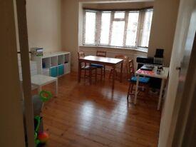 Contract take-over; 2 bed flat - Holloway
