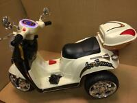 Chad Valley 6V Electric Scooter Anti-Slip Footplate Easy Grip Handles