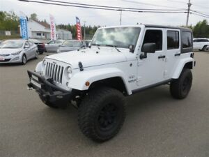 2016 Jeep WRANGLER UNLIMITED SAHARA, NAVI, 6 SPEED, HTD SEATS!!