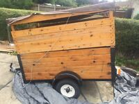 Wooden trailer with removable top
