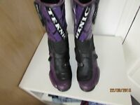 USED TEKNIC MOTORCYCLE BOOTS SIZE 11