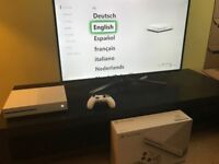 XBOX ONE S CONSOLE with official controller charger