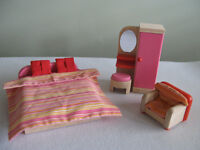 Pintoy Dolls House Figures & Furniture Sets