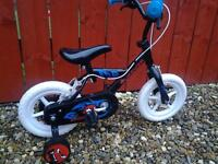 "KIDS URCHIN 10"" WHEEL BIKE WITH STABILIZERS**FREE DELIVERY HULL**"