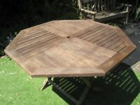 Garden table, genuine teak, octagonal, 120 cm diameter, foldable , good condition