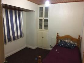 Single double room to let to rent house to rent shared house bills included no dss