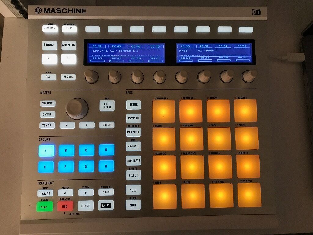 Native Instruments Maschine MK2 and Komplete 9 (Boxed) (Not Mpc)