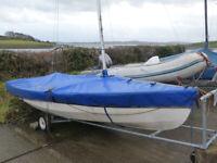 Sailing Dinghy (Wayfarer) sail boat
