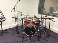Mapex Meridian Maple fusion kit in Volcanic burst (Hardware available at extra cost)