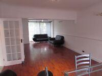 Very Nice Spacious 3 Bed House in Newbury Park IG6