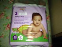 Nappies NEW unopened packs of 29 x 3 (87) MIDI SIZE