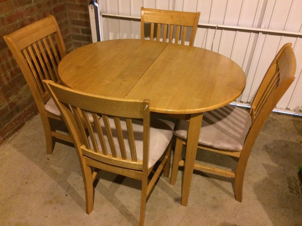 Extendable rubber wood table and 4 chairs