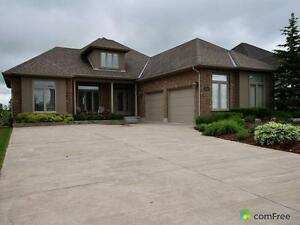 $1,090,000 - Bungalow for sale in Welland