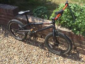 WETHEPEOPLE 18inch frame wheel BMX with Helmet, Gloves and knee pads