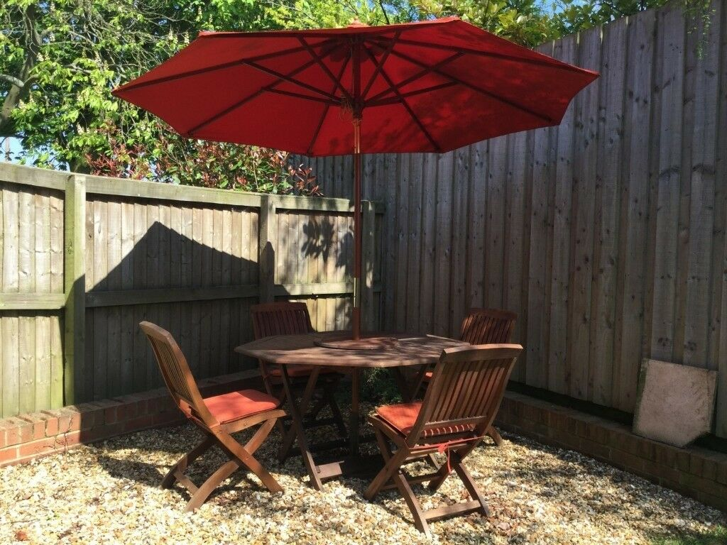 4 seater octagonal garden furniture set with cushions parasol parasol base lazy suzy and cover leeds