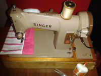 Vintage Singer Model 185K Heavy Duty Electric Sewing Machine, with lamp and Case