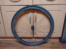 700c front wheel with tyre and innertube