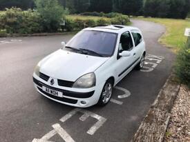 Renault Clio 1.6 *12 month MOT*