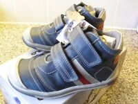 Kids Shoes by LEA LELO. Navy. Sizes 5 ,6 , 7.5 , or 9.5 NEW.