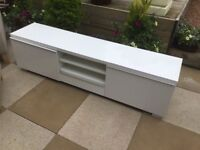 White High Gloss TV/Sideboard In Excellent Condition Can Deliver.