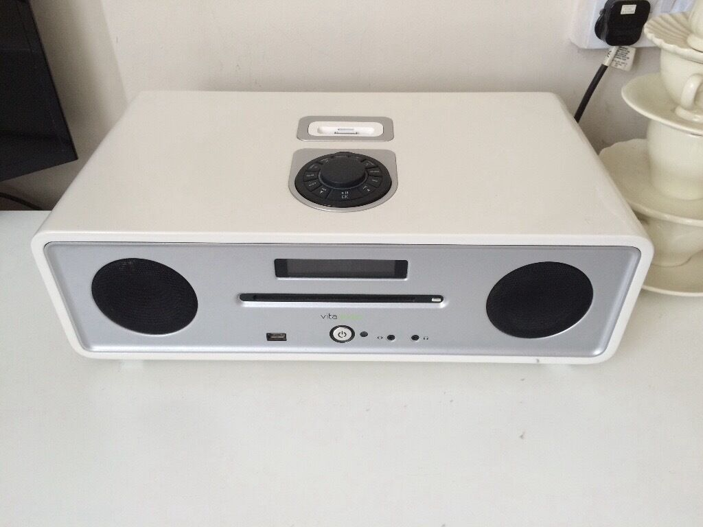vita audio ruark audio r4 stereo hifi in maidstone kent gumtree. Black Bedroom Furniture Sets. Home Design Ideas