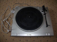 2 speed Tensai belt driven vintage record turntable.