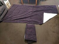 2 x high quality purple curtains (240 width x130cm height each)