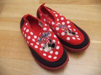 ( New ) Minnie Shoes size 9