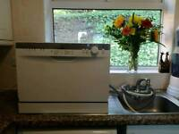 Indesit Tabletop dishwasher (No plumbing needed) O.N.O