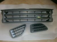 2005-2008 RANGE ROVER SPORTS FRONT GRILL AND SIDE VENTS IN EXCELLENT CONDITION
