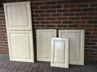 13 Kitchen cupboard doors + drawer set to match