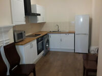 4 Bedroom First Floor Flat in The Centre of Gloucester. Utilities Bill included