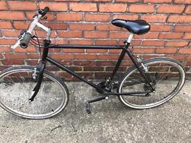 "Men's 21 gear mountain bike, excellent condition! 26 "" wheels, 18"" frame."