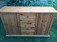 Lovely pine sideboard, vgc